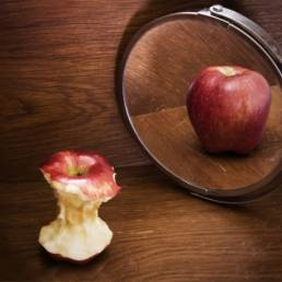 تاثیر طب سوزنی بر بی اشتهایی عصبی Anorexia