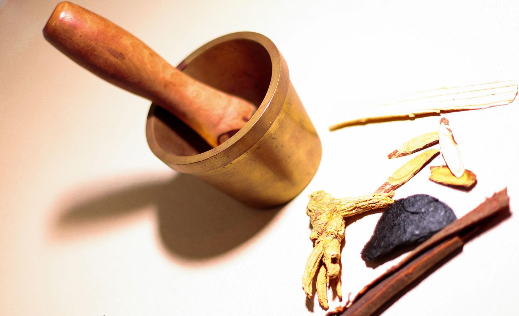 ۷ تفاوت اصلی بین طب سوزنی چینی و طب سوزنی ژاپنی