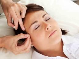 Embedding Acupuncture کاشت نخ در طب سوزنی