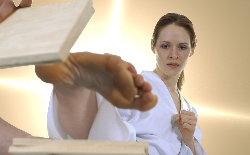 Acupuncture for foot injuries in martial arts