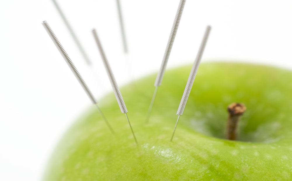 درمان افتادگی سینه بدون جراحی