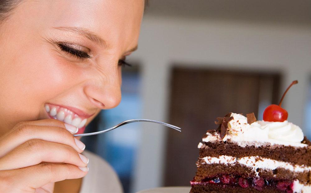 اعتیاد به شیرینی نشانه چیست و چگونه ترک میشود؟